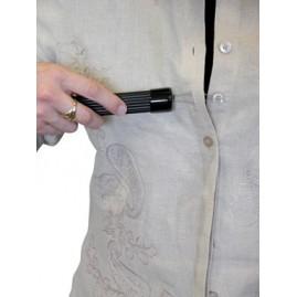 Plastikowy przyrząd do zapinania guzików