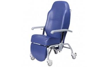 Fotel geriatryczny NORMANDIE z kółkami