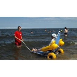 Wózek inwalidzki plażowy do kąpieli morskich