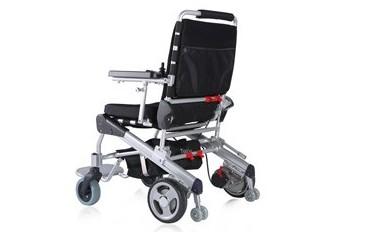 Lekki i składany wózek inwalidzki z napędem elektrycznym