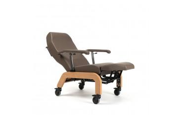 Ekskluzywny fotel geriatryczny, pielęgnacyjny z kółkami BRETAGNE